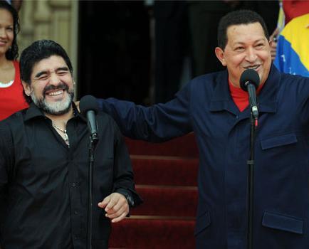 Maduro cerrará su campaña junto a Maradona