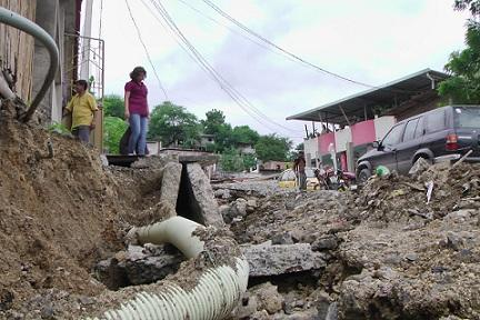 Autoridades municipales recorren la ciudadela Briones