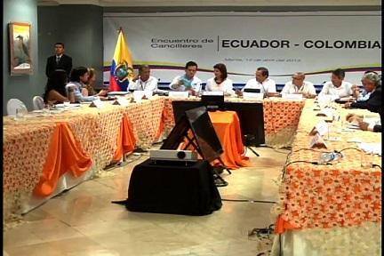 Culmina encuentro de cancilleres de Ecuador-Colombia en Manta