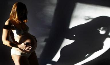 Mujer logra embarazarse tras someterse a un trasplante de útero
