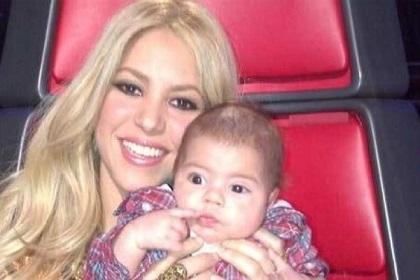 Shakira lleva a su hijo Milan a 'The Voice'