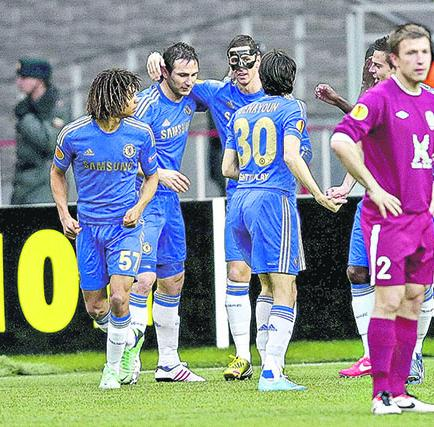 Chelsea clasifica a semifinales aunque perdió