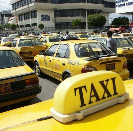 La Unión de taxistas busca incrementar sus tarifas