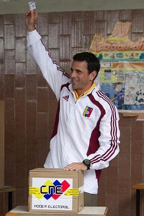 Capriles denuncia intención de querer cambiar voluntad popular