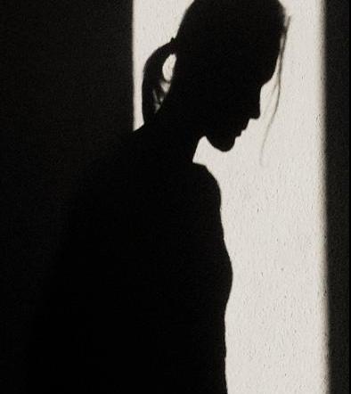 Mujer descubre 15 años después que los médicos le 'robaron' un riñón