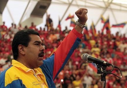 Maduro y Capriles alientan a electores a través de Twitter