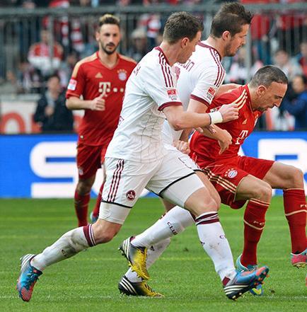 Bayern Múnich y Borussia Dortmund golean y ya piensan en la Champions
