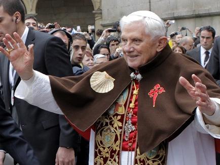Benedicto XVI cumple mañana 86 años 'oculto al mundo'