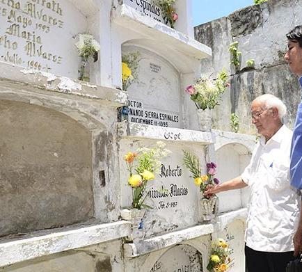 El cementerio de Portoviejo tiene vida los domingos