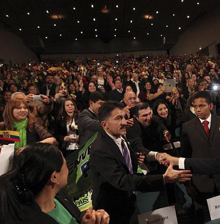 Correa inicia hoy gira por cinco países