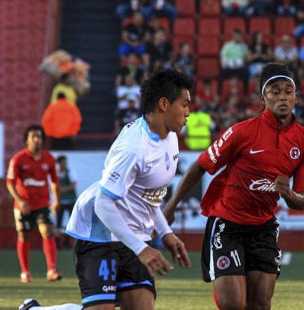 Tijuana de Martínez es  goleado por el Cruz Azul