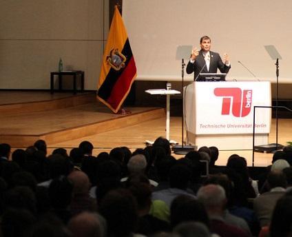 Correa recomienda a Europa no hacer caso al FMI para salir de la crisis