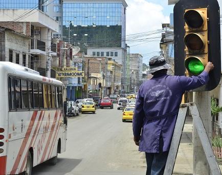 No hay repuestos para reparar 20 semáforos en la ciudad