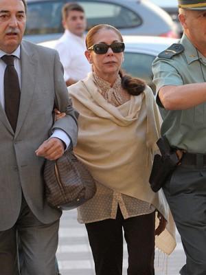 Isabel Pantoja es condenada a dos años