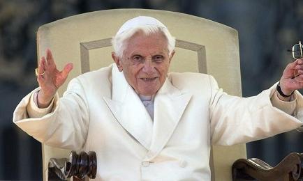 El papa Francisco felicitó a Ratzinger por su 86 cumpleaños