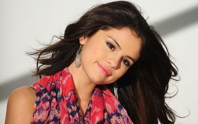 Playboy quiere a Selena Gómez y Vanessa Hudgens