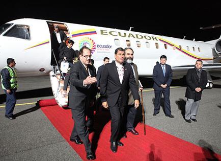 Correa y comitiva llegan a Alemania