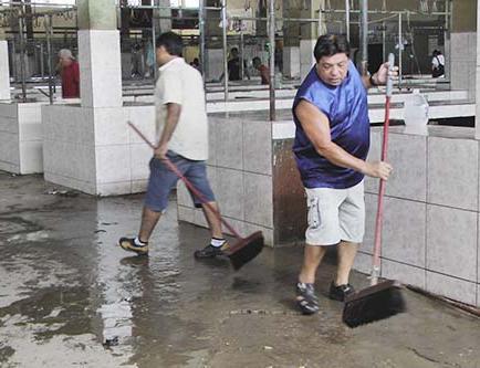 Pocos comerciantes participaron en minga de limpieza del mercado