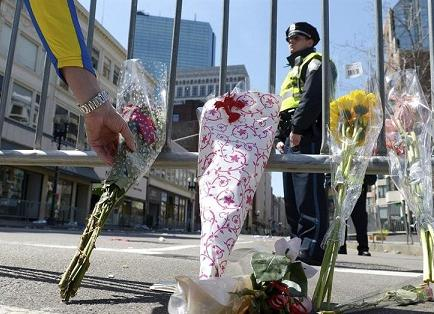 Ricardo Patiño repudia 'actos terroristas' al referirse atentado Boston