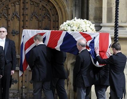 Thatcher recibe homenajes en la víspera de su funeral