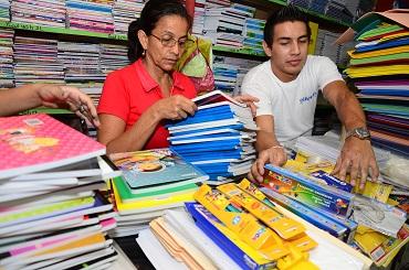 Ministerio de Educación fija lista de útiles escolares