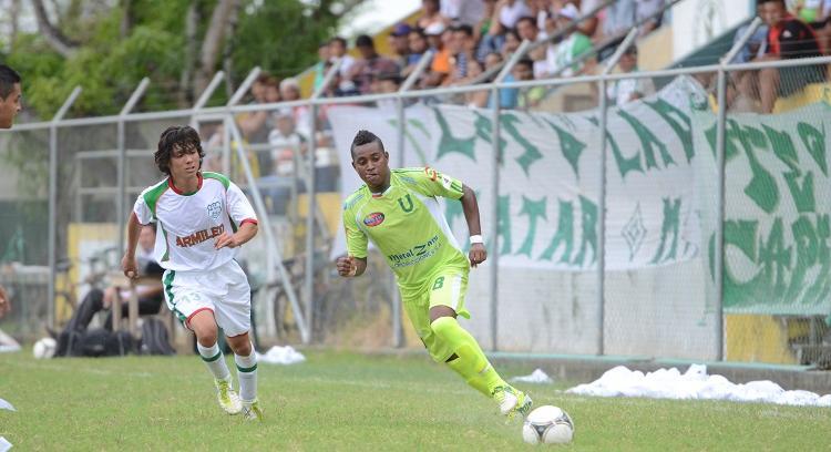 Liga de Portoviejo golea 5-0 al Deportivo del Valle