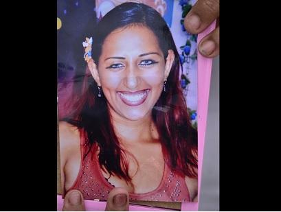 Mujer es hallada sin vida a pocos metros de su casa