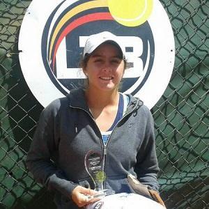 Ecuatoriana triunfa en torneo internacional de tenis