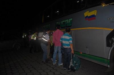 Asaltan a pasajeros de bus en la vía a Esmeraldas