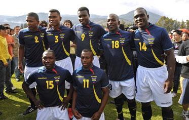 Realizan en EE.UU. documental sobre labor humanitaria de futbolistas ecuatorianos