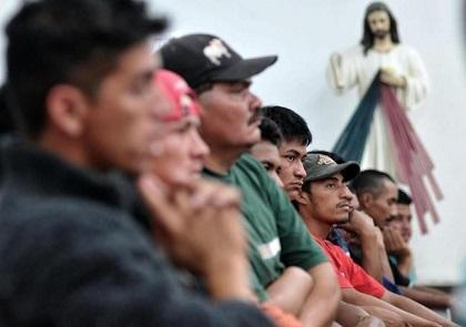 Policía detiene a 50 indocumentados centroamericanos y a seis cubanos en México