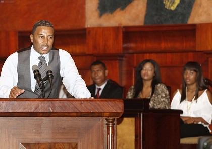 Asamblea otorga condecoración póstuma al 'Chucho' Benítez