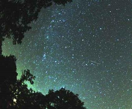 Habrá lluvia de meteoritos que llenará el cielo de estrellas fugaces