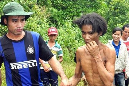 Padre e hijo vivían en la jungla desde la guerra de Vietnam