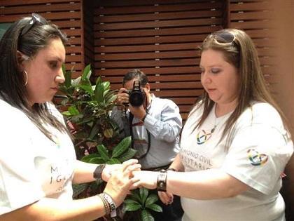 Pareja de lesbianas recurrirán a instancias internacionales tras la negativa de matrimonio