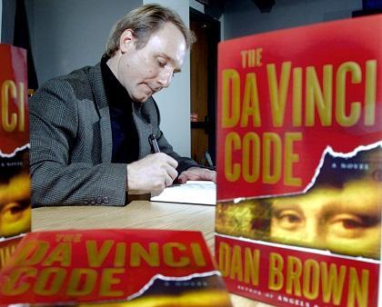 Dan Brown vuelve a liderar la lista de libros más vendidos