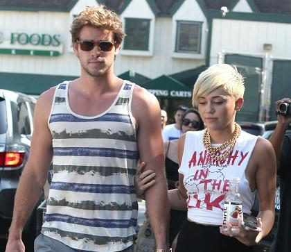 Miley Cyrus y Liam Hemsworth no hacen caso a rumores