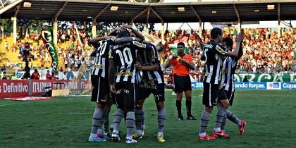 Botafogo y Cruzeiro se juegan el liderato de la liga brasileña