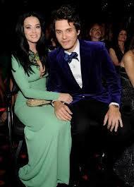Katy Perry colabora en nuevo álbum de su novio