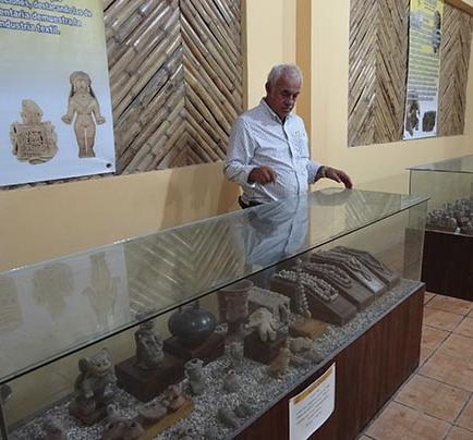 EL MUSEO ATRAE CON RARAS FIGURAS