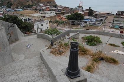 Moradores piden arreglos en escalinata del barrio Santa María