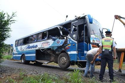 Trabajadores de Terrasol sufren accidente de tránsito