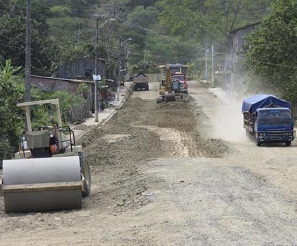 Inician trabajos en dos calles, y se invertirán 117 mil dólares en tres más