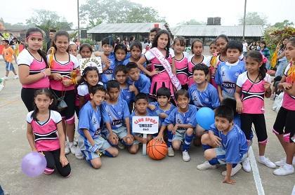 Los alumnos de la Unidad Educativa Eduardo Villaquirán inician juegos