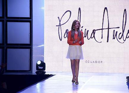 Paulina Anda presentó su colección 'Feminidad'