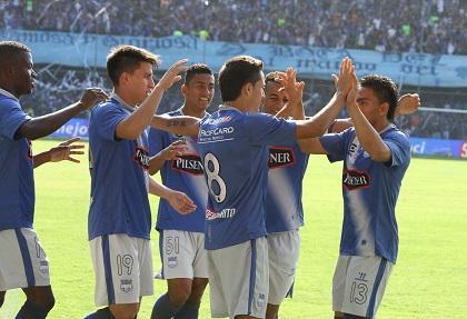 Vídeo:Mondaini y Straqcualursi dan la victoria a Emelec, y es líder del torneo