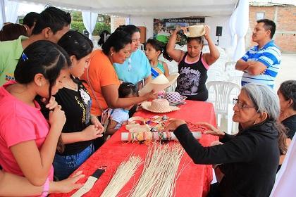 Se realizó el primer Encuentro de Artesanos en  Paja Toquilla en San Lorenzo