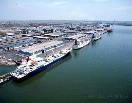 Después de 50 años el Gobierno planea reubicar el puerto de Guayaquil