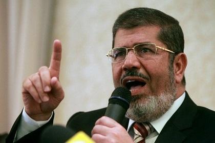 Renuevan por quince días la detención preventiva contra Mursi