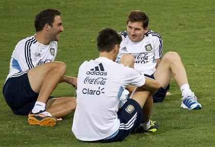 Messi llega a Roma para el amistoso Italia-Argentina en homenaje al papa